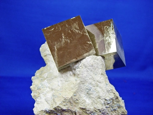 PYRITE CRYSTAL CUBES #L26