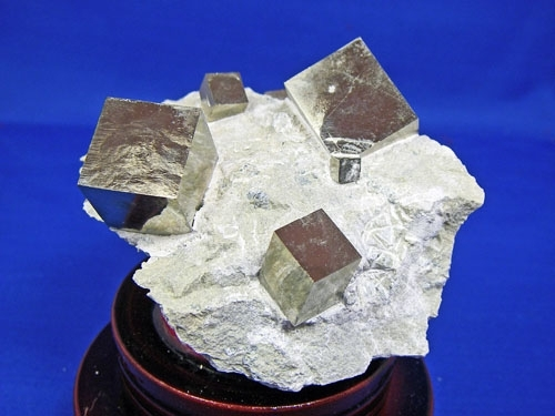 PYRITE CRYSTAL CUBES #L30