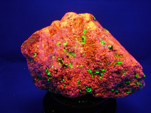 FRANKLIN FLUORESCENCE ROCK #F104
