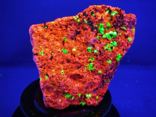 FRANKLIN FLUORESCENCE ROCK #F106